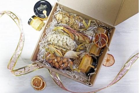 """Подарочный набор """"С орешками и мёдом"""""""